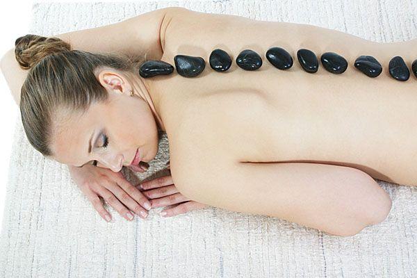 Terapie lávovými kameny